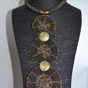 collier-bijoux-traditionnel-afrique