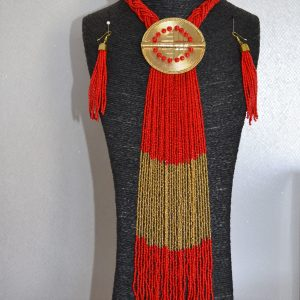 collier-rouge-traditionnel-afrique-boucles-oreille